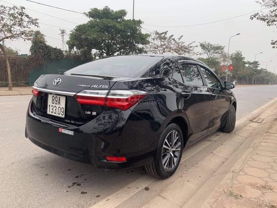 Cần bán gấp Toyota Corolla Altis 1.8G đời 2018, màu đen chính chủ (3)