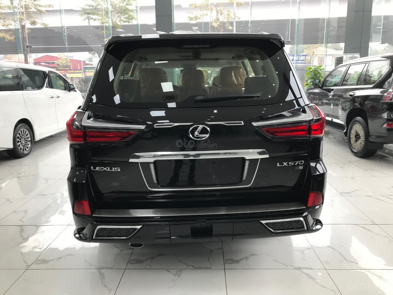 Giao ngay Lexus LX570 Super Sport S 2021 màu đen, duy nhất một chiếc (5)
