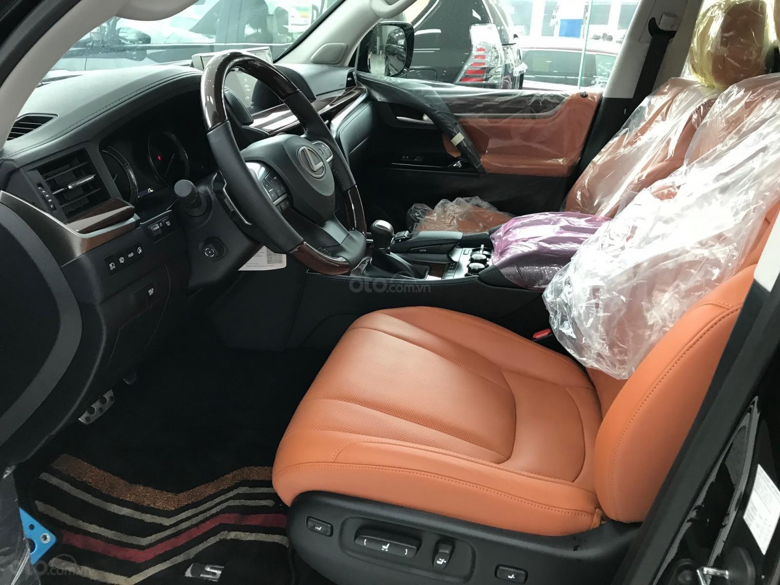 Giao ngay Lexus LX570 Super Sport S 2021 màu đen, duy nhất một chiếc (8)
