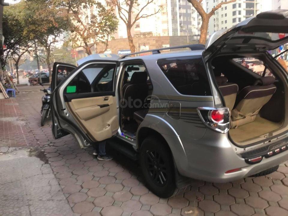 Cần bán Toyota Fortuner sản xuất năm 2016, màu bạc, xe chất giá tầm (2)