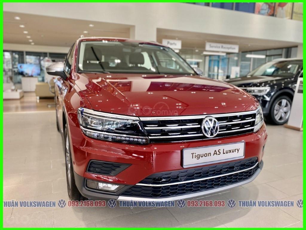 SUV 7 chỗ Tiguan Luxury màu đỏ tháng 2/2021 giảm khủng 120 triệu tiền mặt + phụ kiện hãng khi gọi Mr Thuận để có giá đẹp (2)