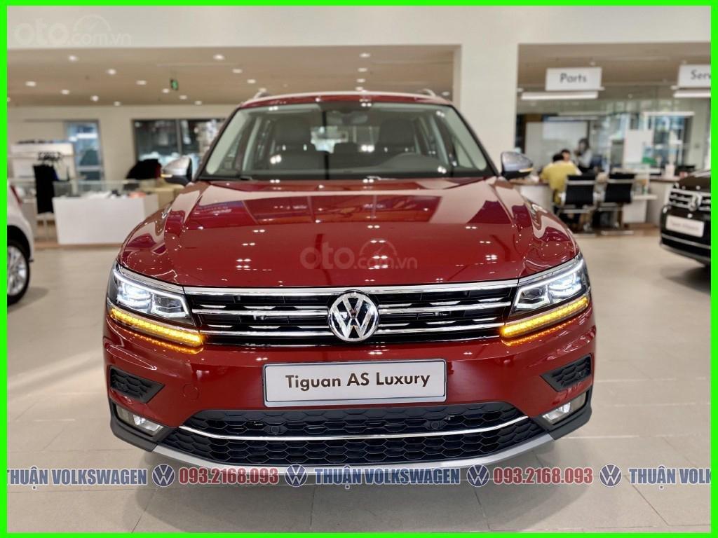 SUV 7 chỗ Tiguan Luxury màu đỏ tháng 2/2021 giảm khủng 120 triệu tiền mặt + phụ kiện hãng khi gọi Mr Thuận để có giá đẹp (7)