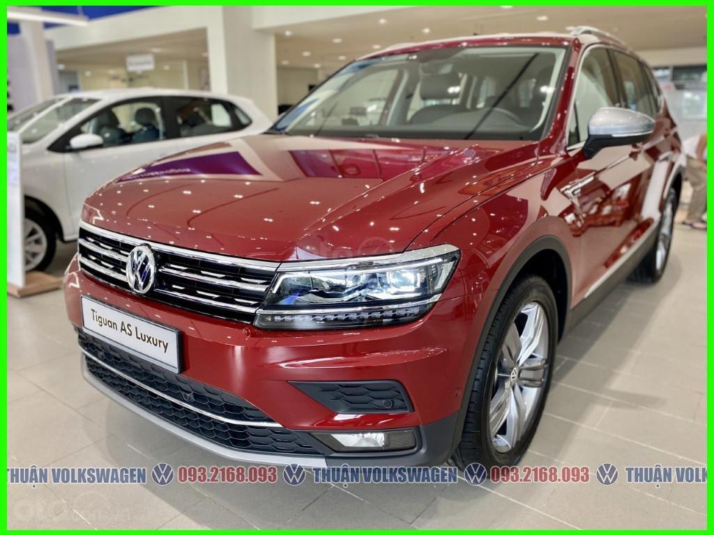 SUV 7 chỗ Tiguan Luxury màu đỏ tháng 2/2021 giảm khủng 120 triệu tiền mặt + phụ kiện hãng khi gọi Mr Thuận để có giá đẹp (8)