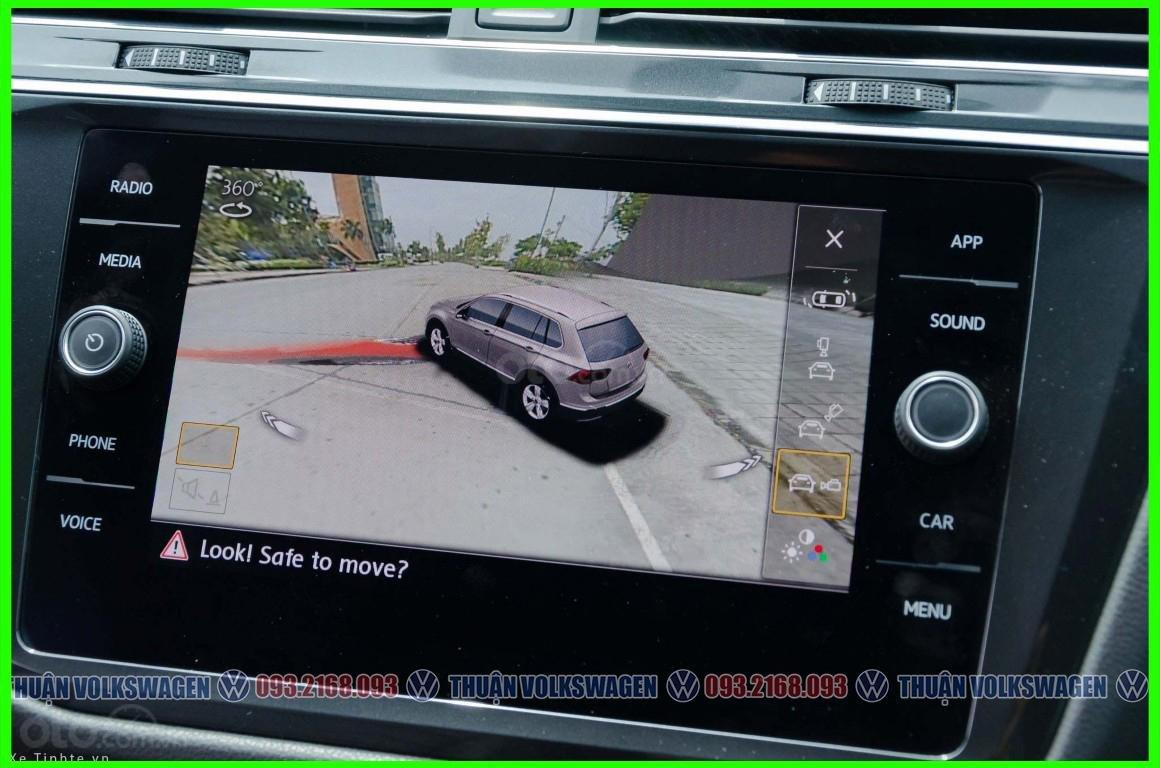 SUV 7 chỗ Tiguan Luxury màu đỏ tháng 2/2021 giảm khủng 120 triệu tiền mặt + phụ kiện hãng khi gọi Mr Thuận để có giá đẹp (10)