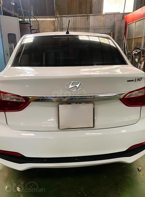 Cần bán lại xe Hyundai Grand i10 đời 2017, màu trắng (3)