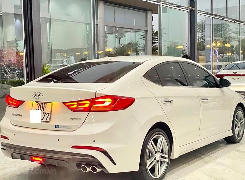 Bán Hyundai Elantra 1.6 Turbo năm 2018, màu trắng còn mới, giá 665tr (4)