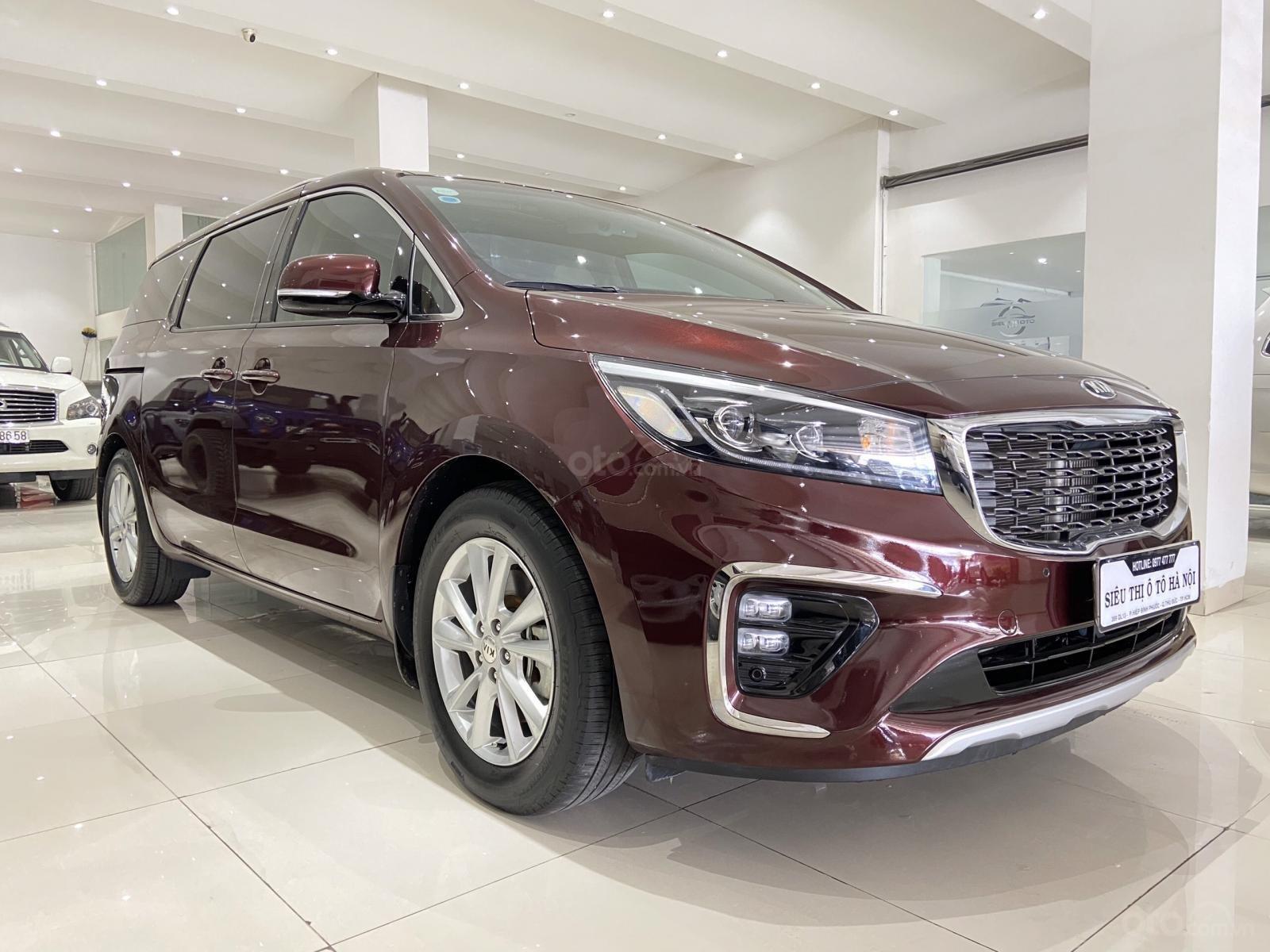 Bán xe Kia Sedona năm 2019, xe màu đỏ, mới đi 19.000km, xe đẹp như mới (3)