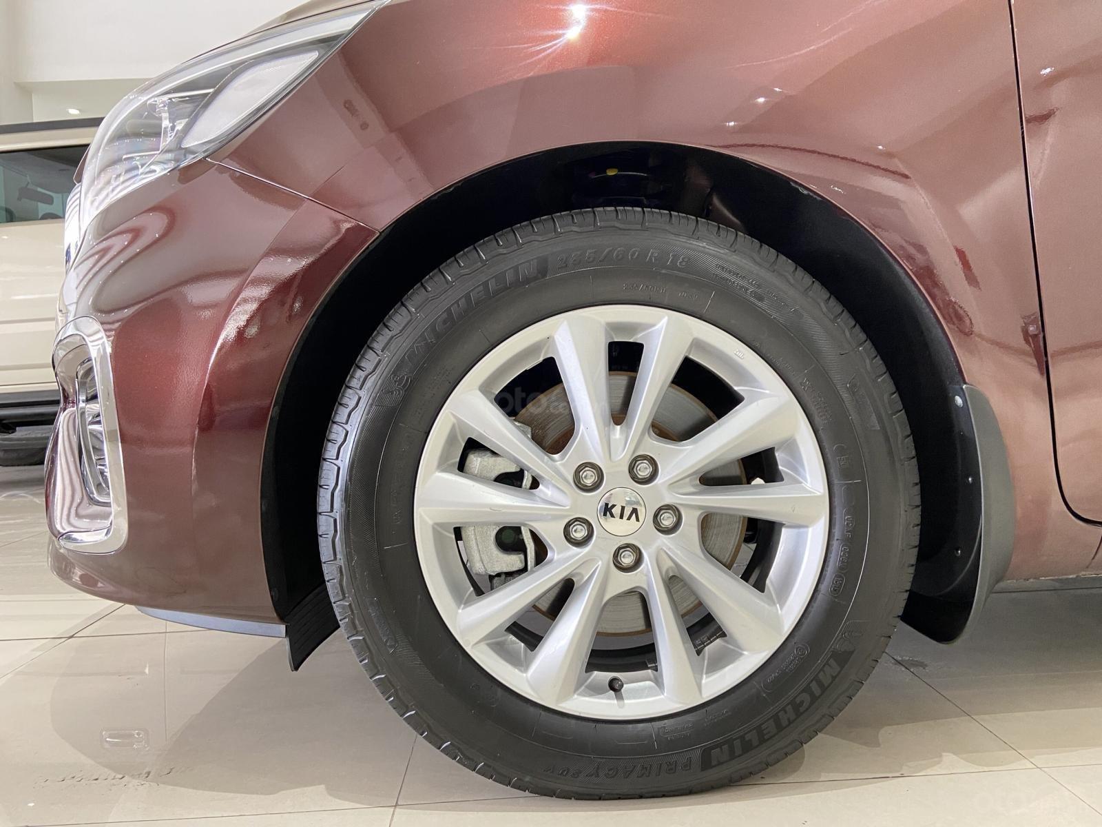 Bán xe Kia Sedona năm 2019, xe màu đỏ, mới đi 19.000km, xe đẹp như mới (15)