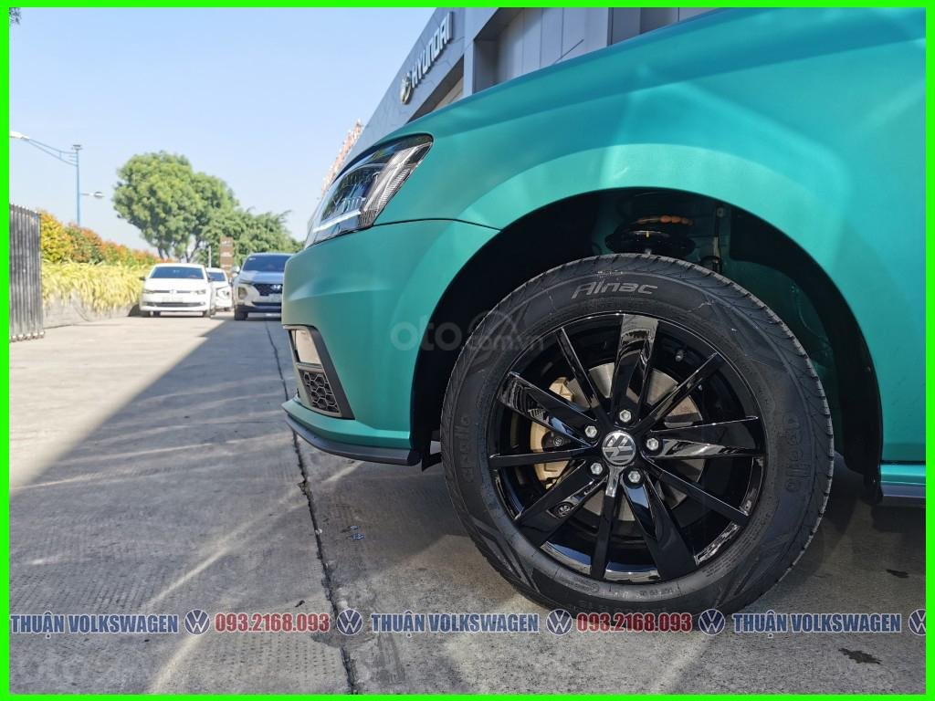 Thuận đang có giá đặc biệt T2/2021 cho Polo Hatchback đủ màu giao ngay. Hỗ trợ trước bạ + Tặng phụ kiện - LH Mr Thuận 24/7 (4)