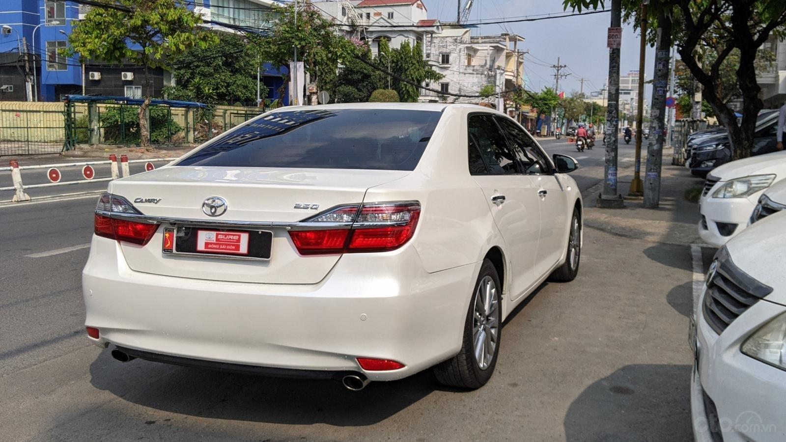 Xe Toyota Camry 2.5Q năm sản xuất 2019 (5)