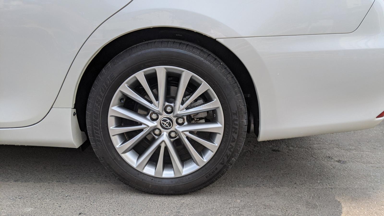 Xe Toyota Camry 2.5Q năm sản xuất 2019 (7)