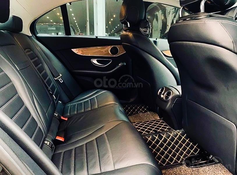 Bán Mercedes C250 sản xuất 2015, màu đen, giá ưu đãi (2)