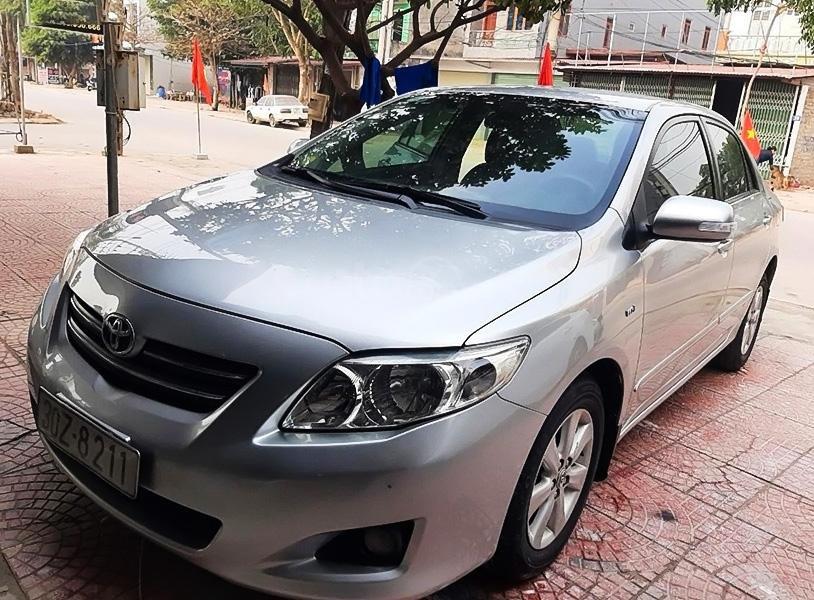 Bán Toyota Corolla Altis 1.8 AT năm sản xuất 2010, màu bạc còn mới, giá 408tr (1)
