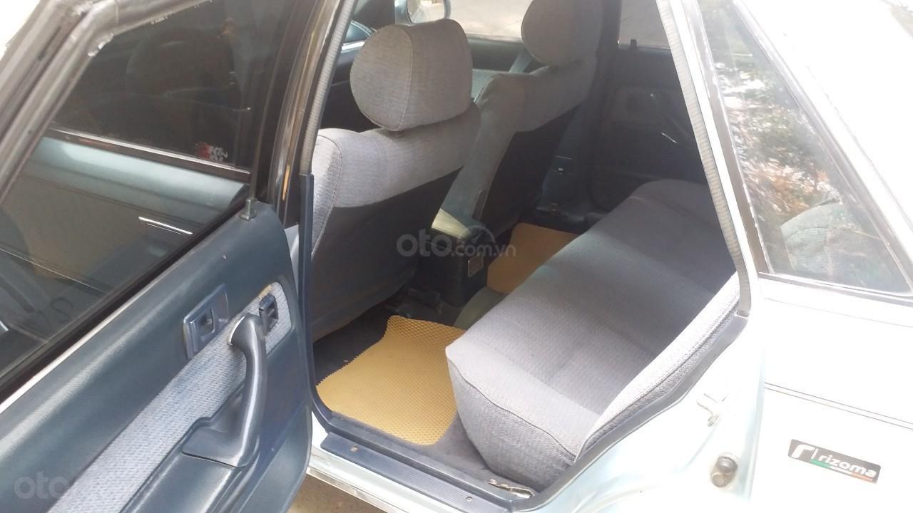 Cần bán lại Toyota Camry 1988 giá chỉ 68 triệu (8)