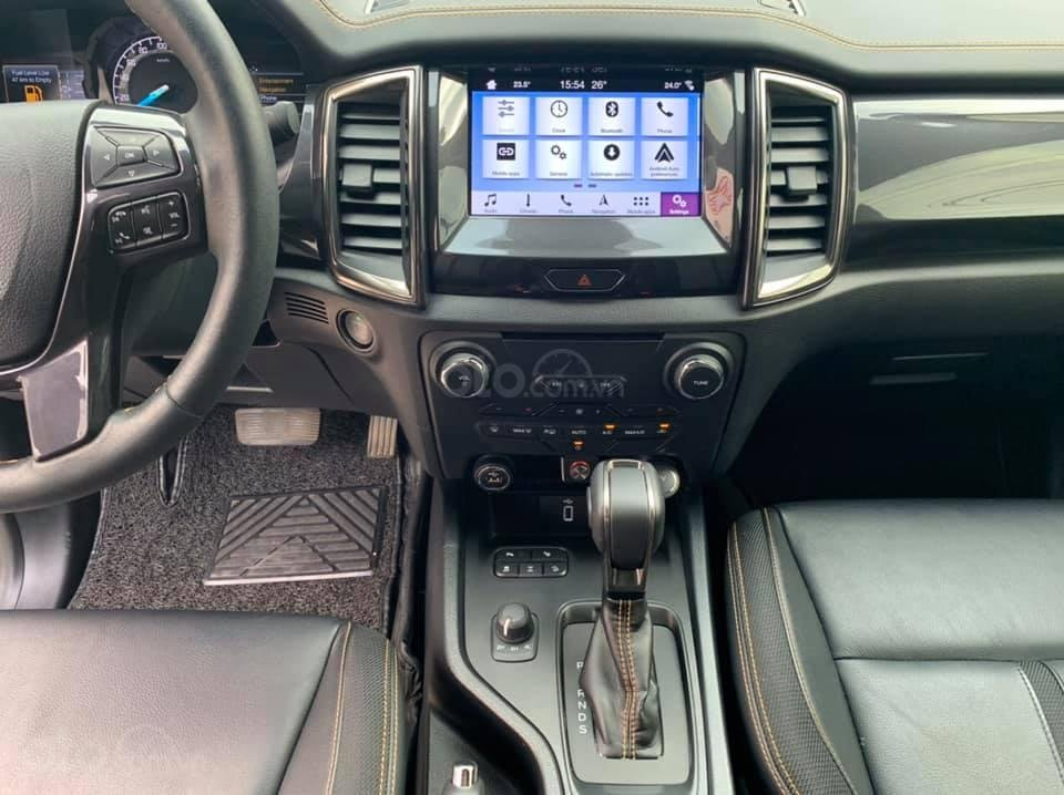 Bán gấp xe Ford Ranger Wildtrak 2019, màu trắng, giá cạnh tranh (5)