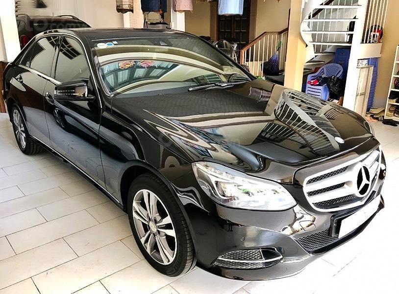 Xe Mercedes E250 sản xuất 2014, màu đen, giá thấp (1)