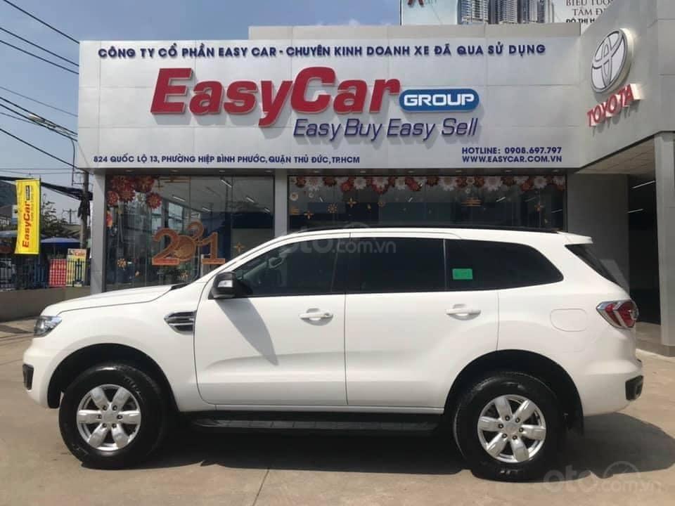 Cần bán Ford Everest Ambiente 2.0 đời 2019, màu trắng số sàn, giá tốt (2)
