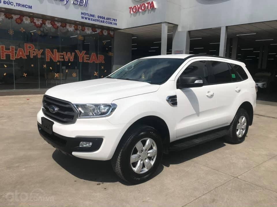 Cần bán Ford Everest Ambiente 2.0 đời 2019, màu trắng số sàn, giá tốt (4)