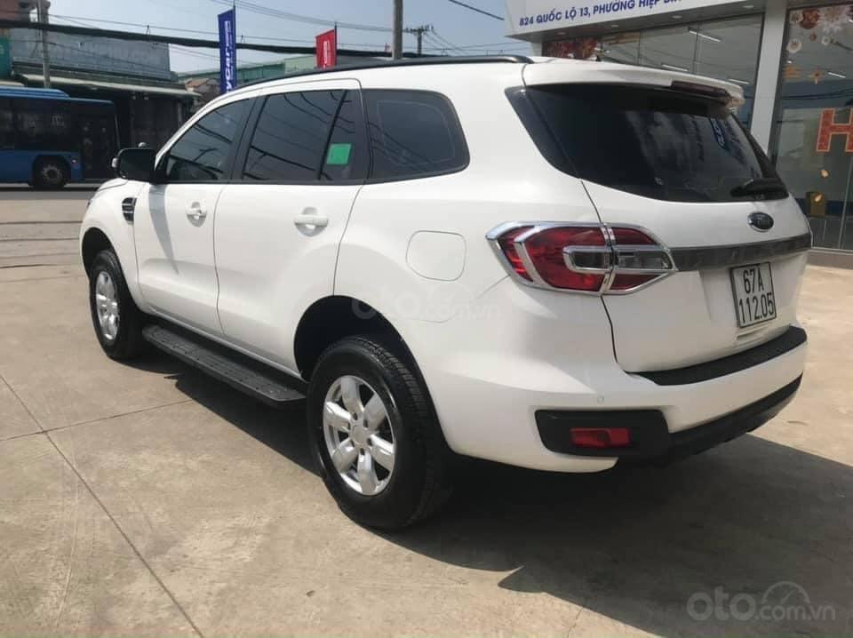 Cần bán Ford Everest Ambiente 2.0 đời 2019, màu trắng số sàn, giá tốt (5)