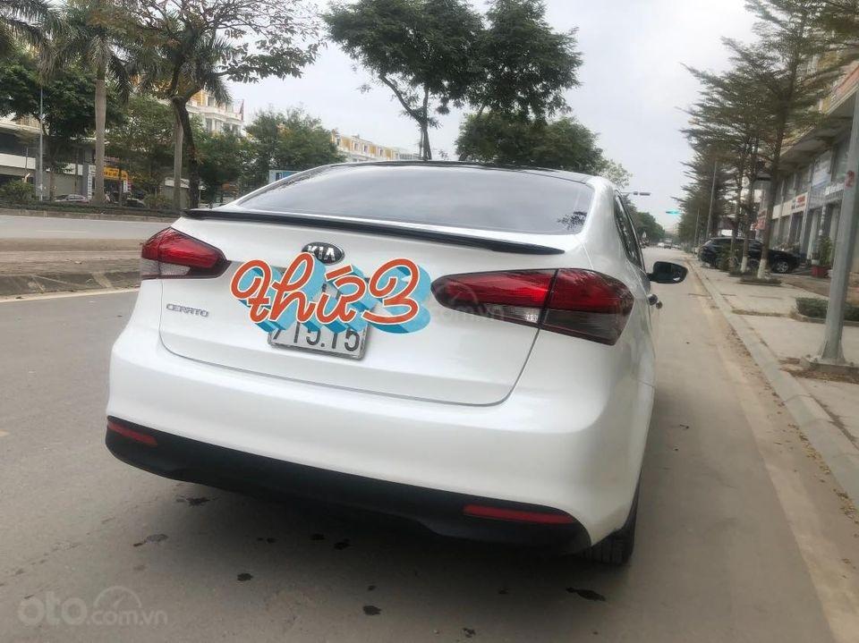 Bán xe Kia Cerato MT đời 2017, màu trắng, xe tốt giá êm (4)