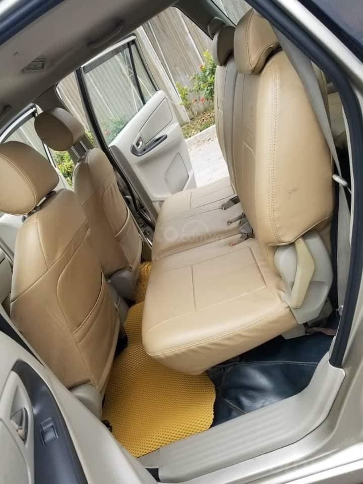 Bán Toyota Innova 2.0E sản xuất 2014, màu vàng như mới, 385 triệu (5)