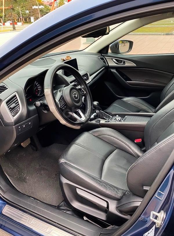Bán Mazda 3 1.5 AT năm sản xuất 2017, màu xanh lam còn mới (4)