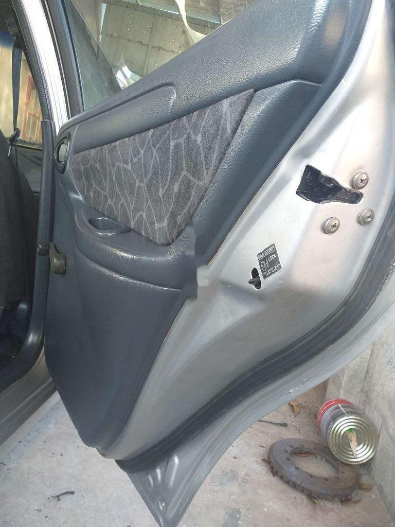 Cần bán xe Daewoo Lanos đời 2001, màu bạc còn mới (2)