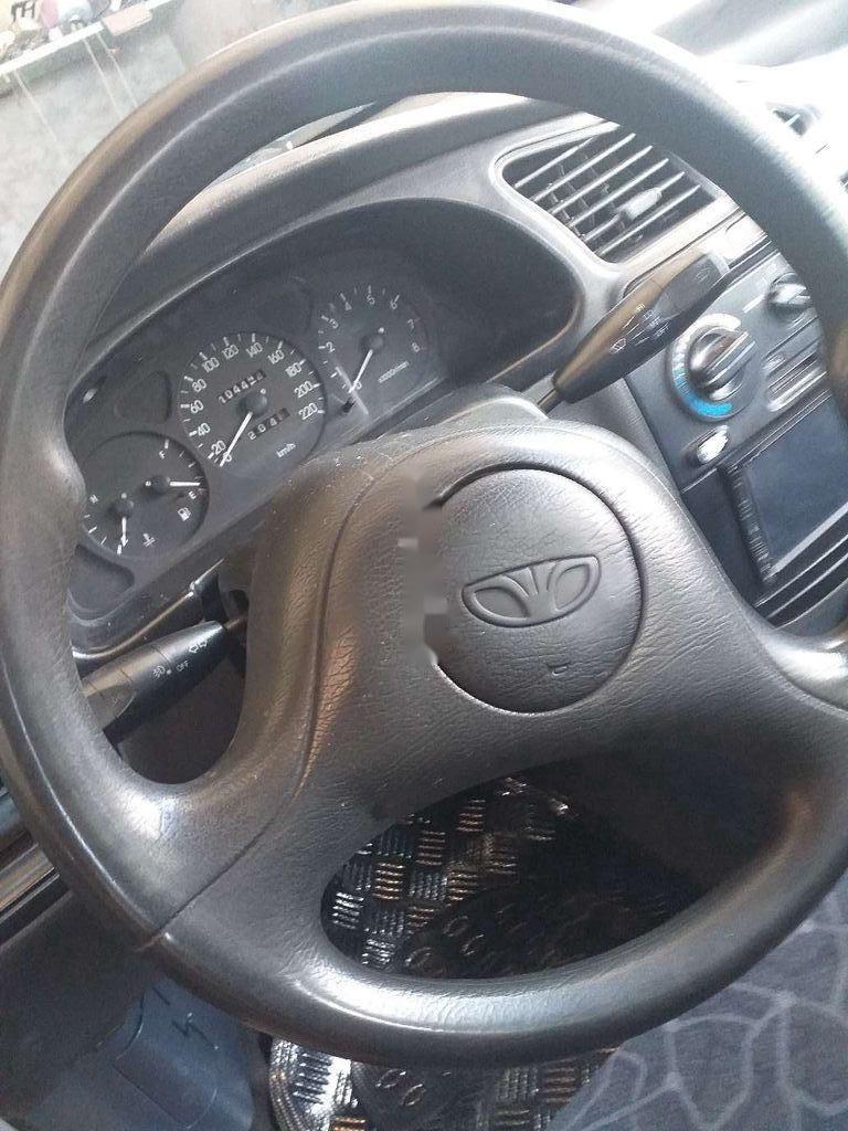Cần bán xe Daewoo Lanos đời 2001, màu bạc còn mới (8)