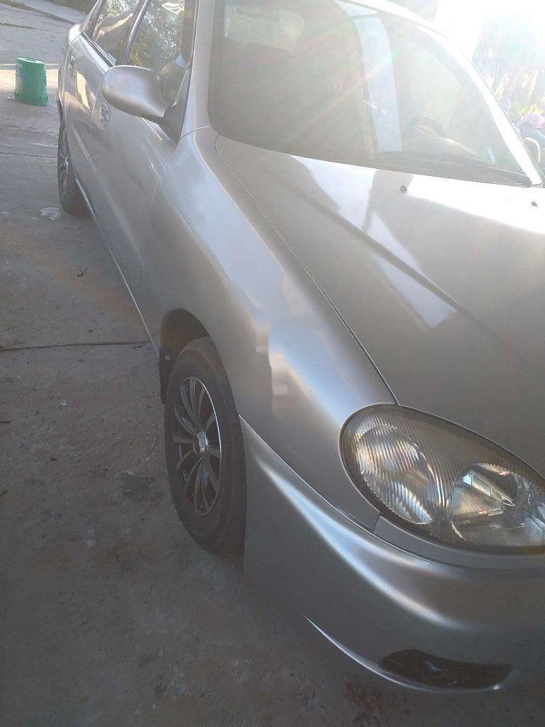 Cần bán xe Daewoo Lanos đời 2001, màu bạc còn mới (6)