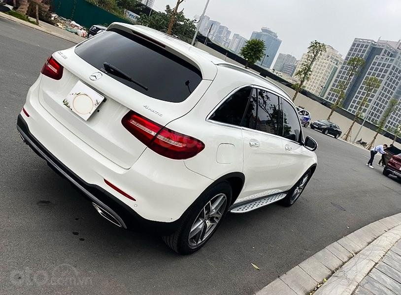 Cần bán xe Mercedes GLC300 năm 2017, màu trắng còn mới (3)