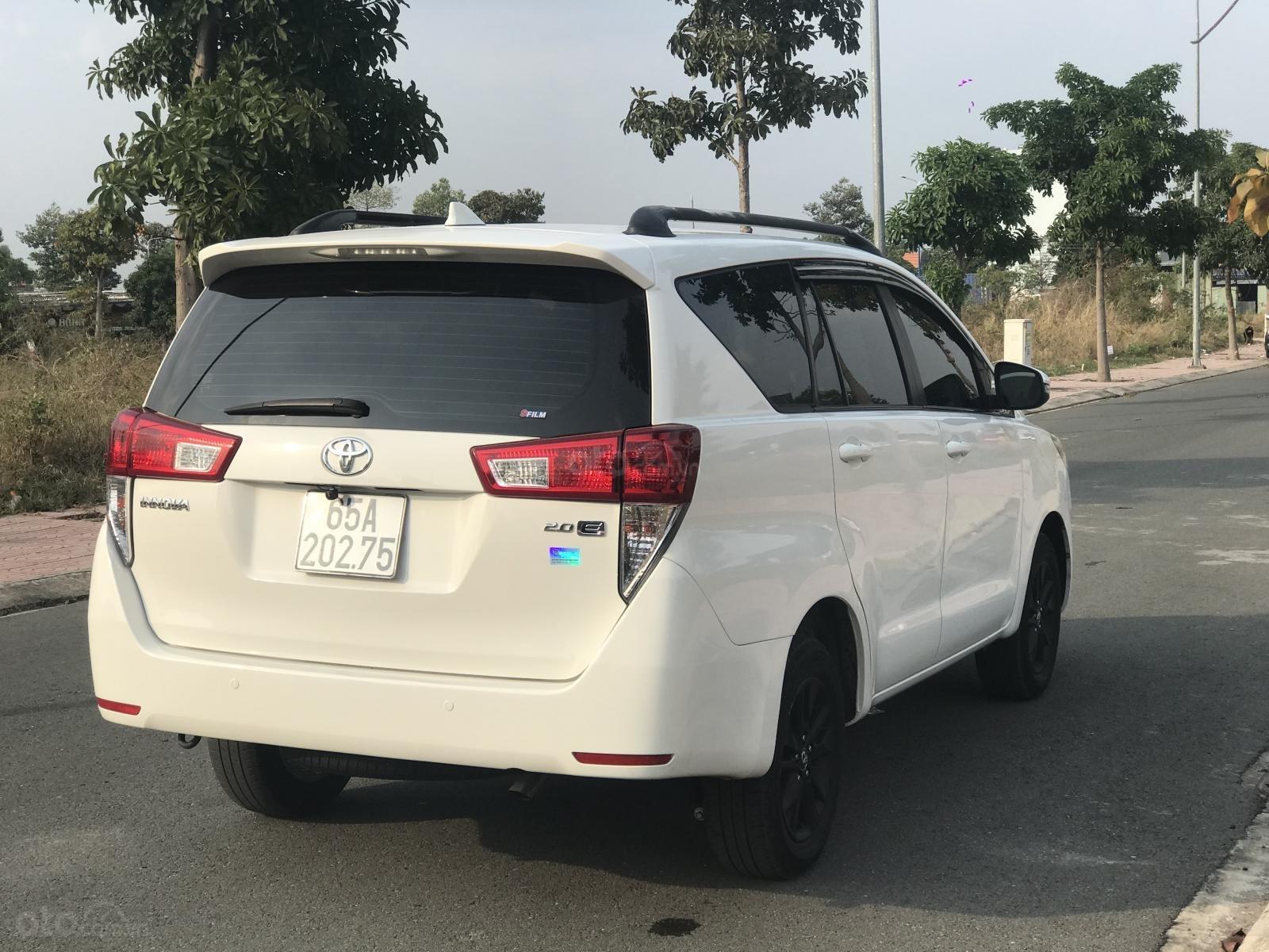Cần bán Toyota Innova sản xuất năm 2019, màu trắng, số sàn (6)