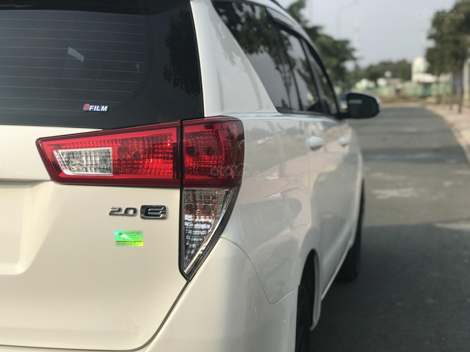 Cần bán Toyota Innova sản xuất năm 2019, màu trắng, số sàn (7)