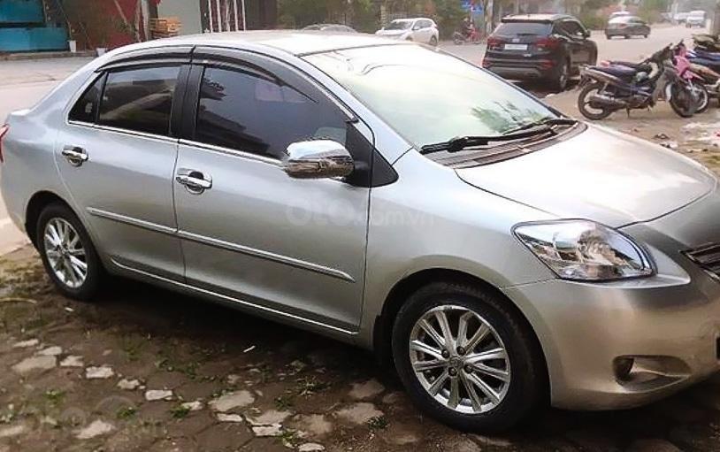 Cần bán lại xe Toyota Vios 1.5E sản xuất năm 2010, màu bạc còn mới (4)