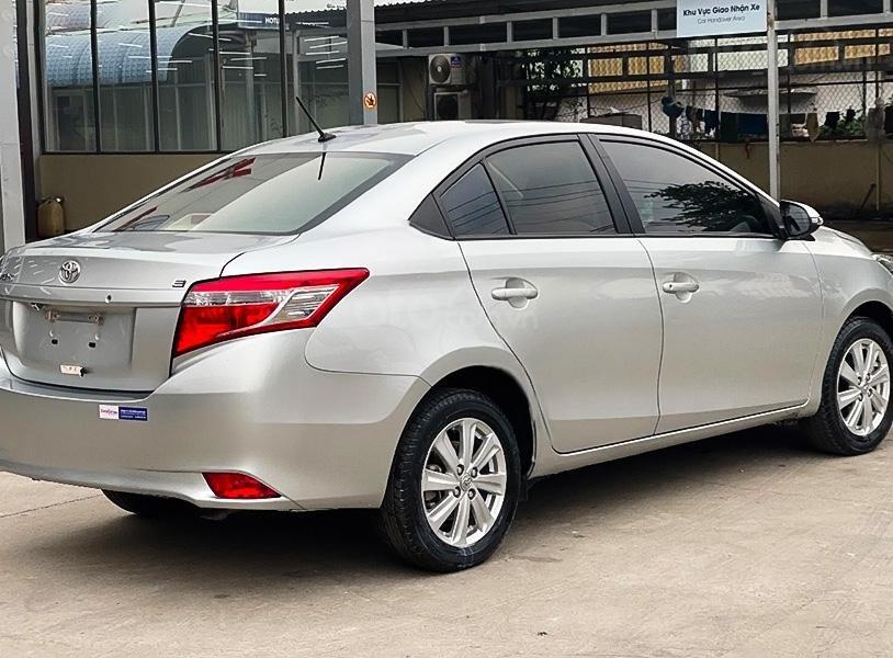 Cần bán gấp Toyota Vios E MT sản xuất năm 2017, màu bạc còn mới, giá thấp (1)
