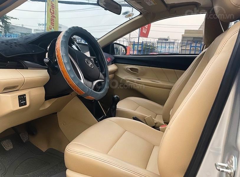 Cần bán gấp Toyota Vios E MT sản xuất năm 2017, màu bạc còn mới, giá thấp (4)