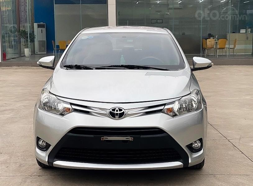 Cần bán gấp Toyota Vios E MT sản xuất năm 2017, màu bạc còn mới, giá thấp (3)
