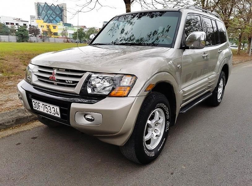 Xe Mitsubishi Pajero năm sản xuất 2001, nhập khẩu nguyên chiếc còn mới, 385 triệu (1)