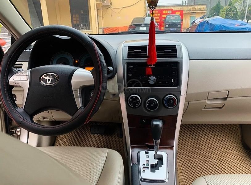 Cần bán Toyota Corolla Altis 1.8G AT sản xuất năm 2011 chính chủ (3)