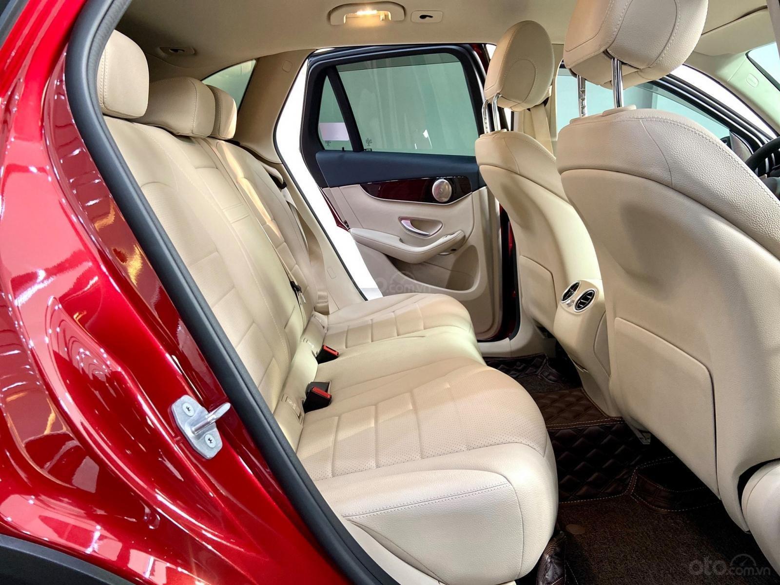 Bán xe Mercedes GLC200 model 2020, màu đỏ, bản nâng cấp (6)