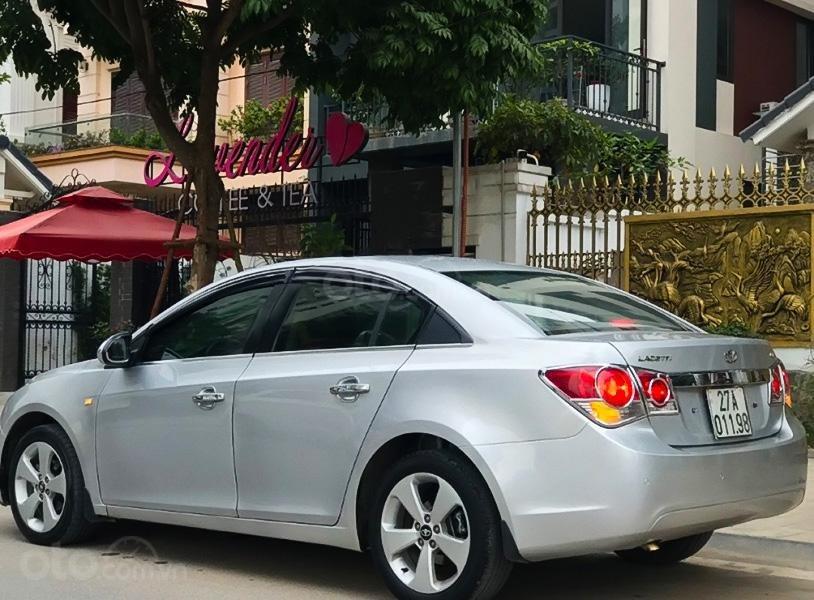 Bán Daewoo Lacetti CDX 1.6 AT sản xuất năm 2010, màu bạc, nhập khẩu nguyên chiếc giá cạnh tranh (4)