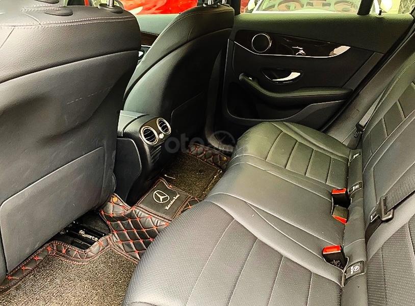 Bán Mercedes GLC200 sản xuất 2020, màu đỏ còn mới (4)