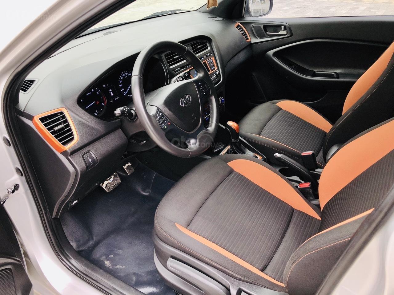 Bán nhanh Hyundai i20 1.4AT SX 2015 bạc, đẹp xuất sắc biển TP (5)