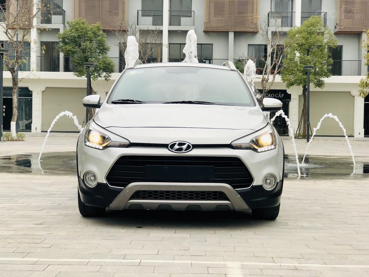 Bán nhanh Hyundai i20 1.4AT SX 2015 bạc, đẹp xuất sắc biển TP (11)