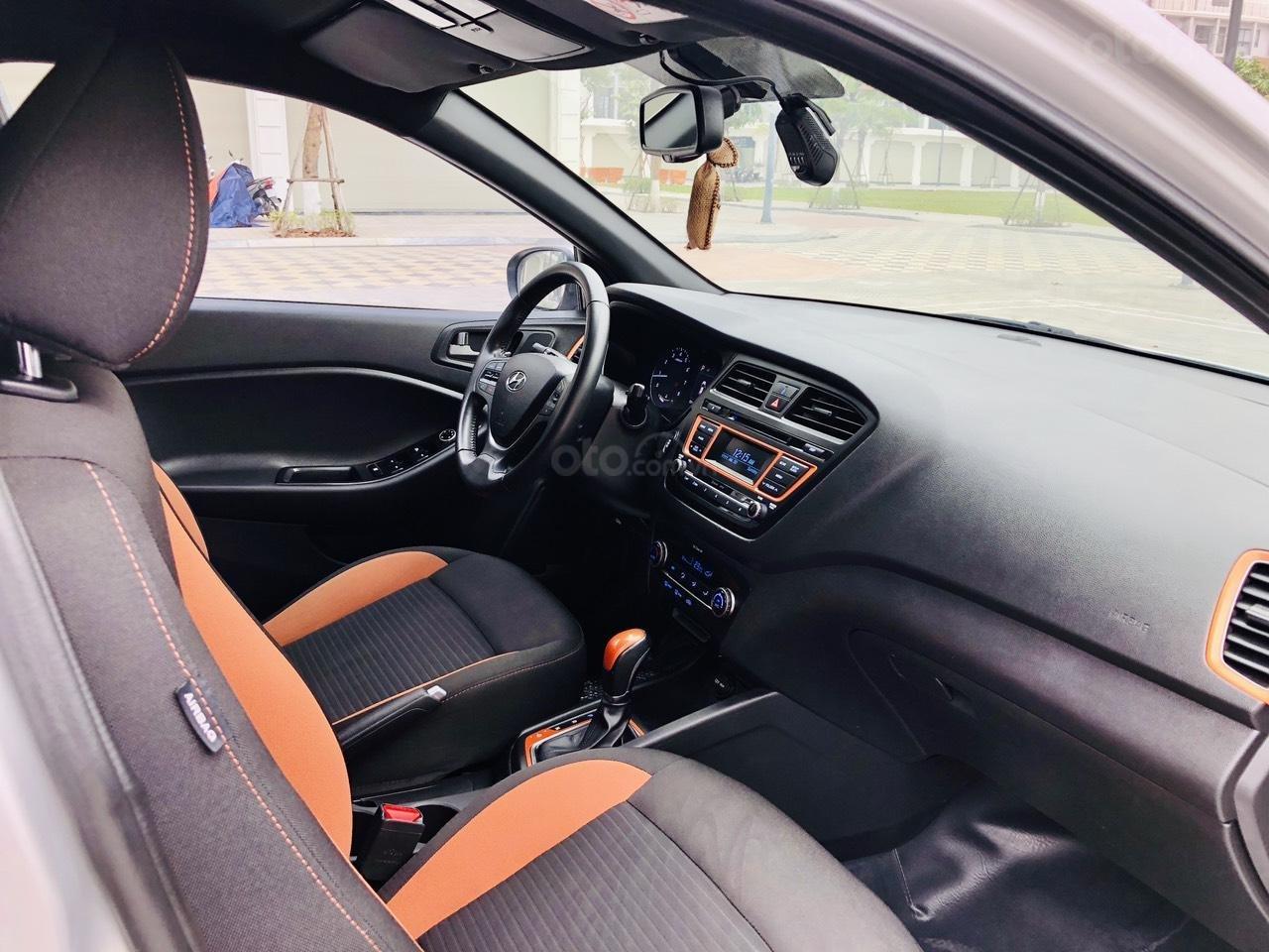 Bán nhanh Hyundai i20 1.4AT SX 2015 bạc, đẹp xuất sắc biển TP (12)