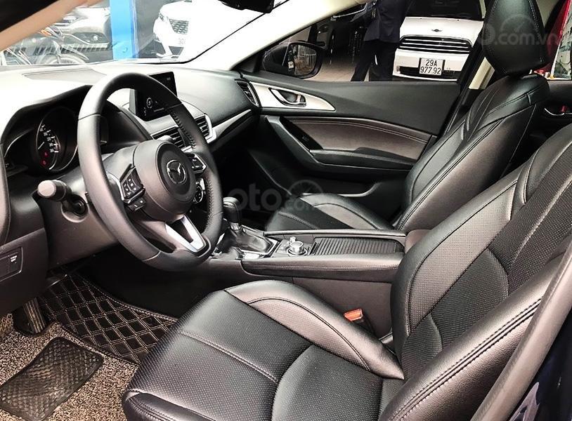 Bán xe Mazda 3 sản xuất 2020, màu xanh lam, giá mềm (4)