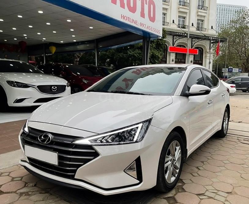 Cần bán Hyundai Elantra 1.6 AT sản xuất 2019, màu trắng (1)