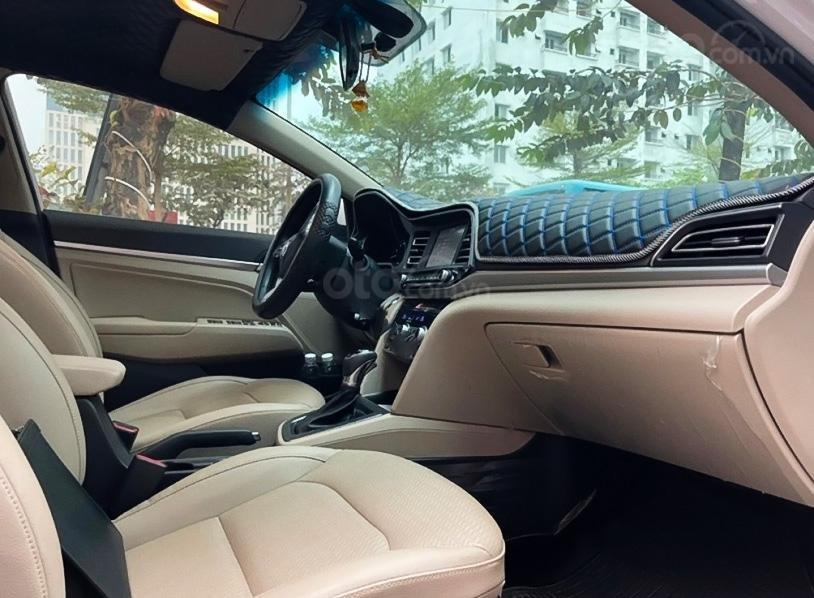 Cần bán Hyundai Elantra 1.6 AT sản xuất 2019, màu trắng (2)
