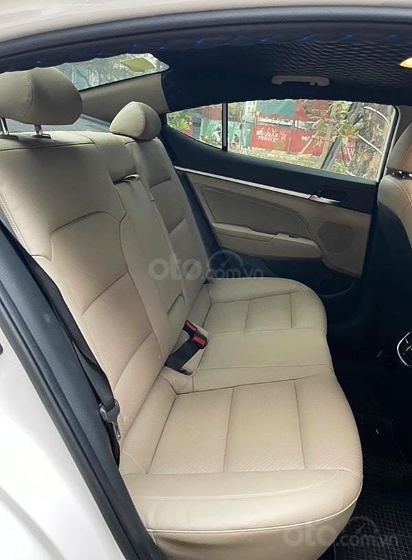 Cần bán Hyundai Elantra 1.6 AT sản xuất 2019, màu trắng (3)