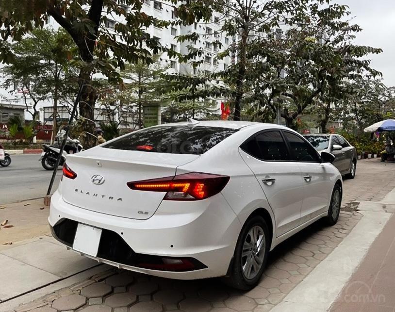 Cần bán Hyundai Elantra 1.6 AT sản xuất 2019, màu trắng (4)
