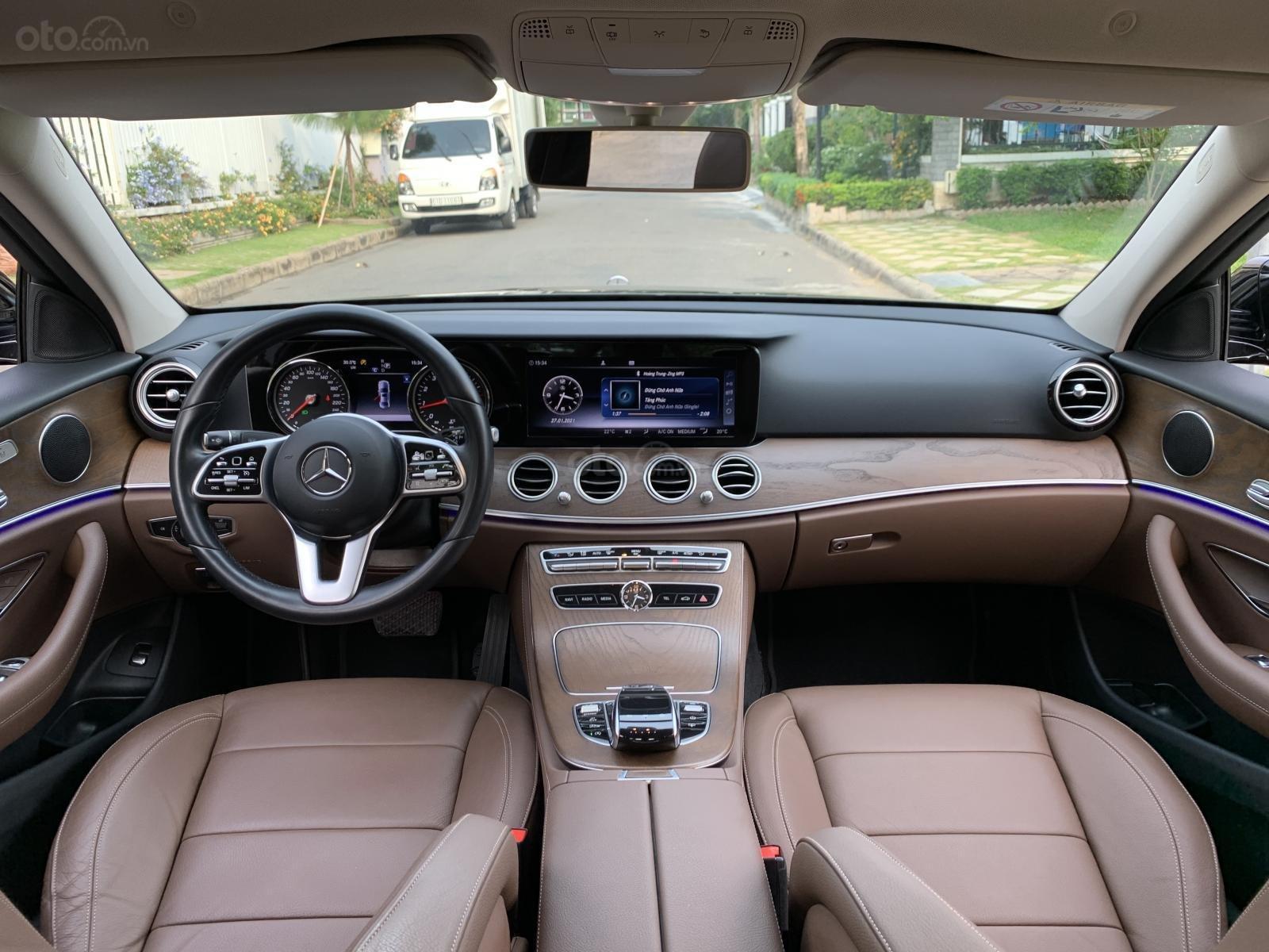 Bán Mercedes E200 sản xuất năm 2019, đi đúng 23000km, xe đẹp xuất sắc (3)